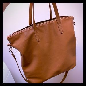 Tote bag with crossbody strap